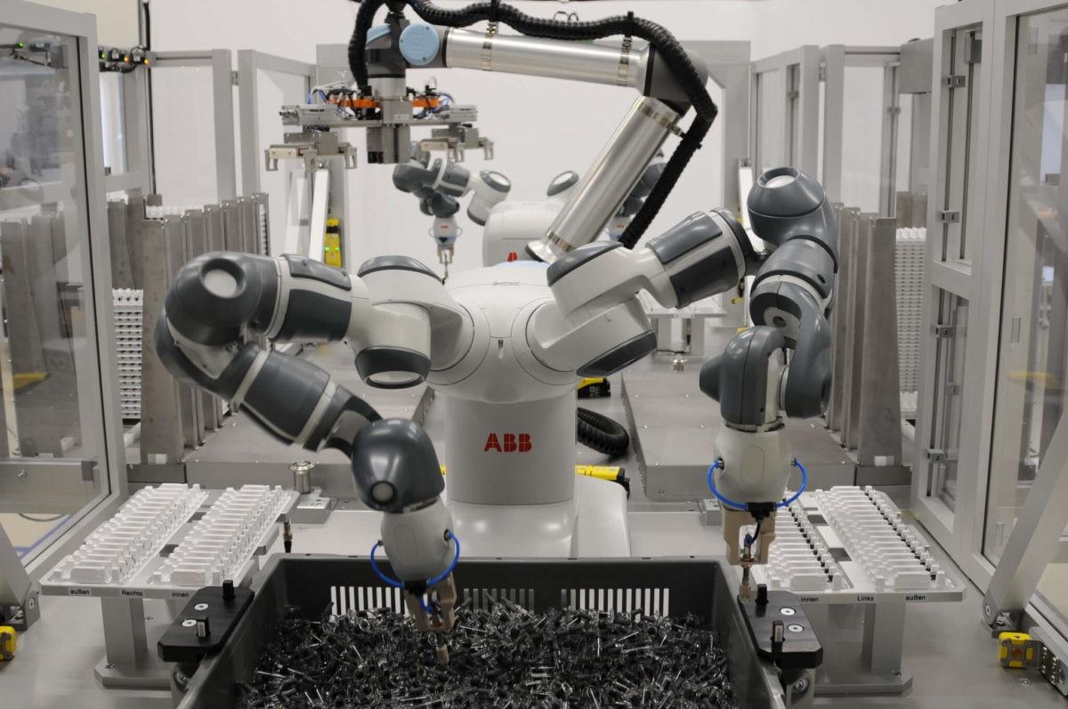 制药行业机器人工作站